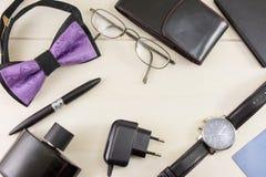 Opinión superior masculina de los accesorios de la moda y del negocio Foto de archivo libre de regalías