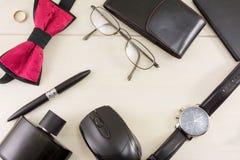 Opinión superior masculina de los accesorios de la moda y del negocio Imagen de archivo