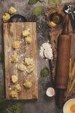 Opinión superior sobre los raviolis hechos en casa de las pastas Fotos de archivo libres de regalías