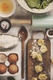 Opinión superior sobre los raviolis hechos en casa de las pastas Fotografía de archivo libre de regalías
