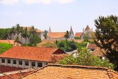 Opini?n superior sobre los tejados de casas medievales, fuerte de Galle, Sri Lanka fotografía de archivo