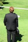 Opinión trasera el hombre de negocios en hola fotografía de archivo
