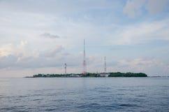 Opinión tropical de la isla del barco Fotografía de archivo libre de regalías