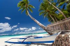 Opinión tropical de la playa Fotografía de archivo libre de regalías