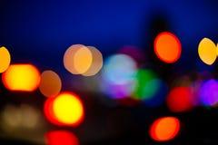Opinión unfocused borrosa de la ciudad en la noche Fotografía de archivo