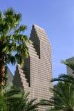 Opinión urbana de los edificios céntricos del rascacielos de la ciudad Foto de archivo libre de regalías