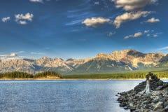 Opiniões bonitas do lago da montanha Fotografia de Stock