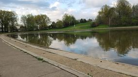 Opiniões das proximidades do lago imagens de stock