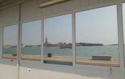 Opiniões do mar de Veneza em um espelho Foto de Stock Royalty Free