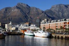 Opiniões do porto de Capetown no por do sol, África do Sul fotografia de stock