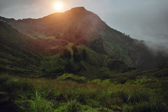 Opiniões excitantes do nascer do sol no vulcão de Batur, Bali imagens de stock royalty free