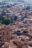 Opiniões panorâmicos da cidade da manhã de Siena Imagens de Stock
