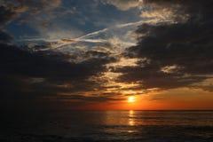 Opini?n de la salida del sol de la playa del Va fotos de archivo