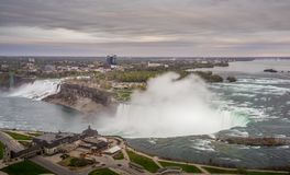 Opini?n del panorama de Niagara Falls fotografía de archivo libre de regalías