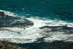 Opini?o bonita Rocky Coastline em dos Caracas de Ponto do ponto de Caracas em Fernando de Noronha imagem de stock royalty free