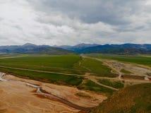 A opini?o de China ocidental, paisagem bonita do meio do ar fotografia de stock