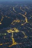 Opinión aérea de la ciudad de la noche de Brasov Imagenes de archivo