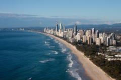 Opinión aérea de la costa de Gold Coast Queensland Australia Foto de archivo libre de regalías