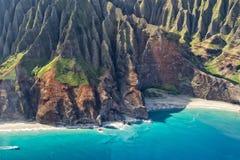 Opinión aérea de la costa del napali de Kauai Fotografía de archivo