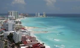 Opinión aérea de la playa de Cancun Imágenes de archivo libres de regalías