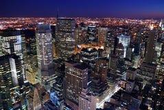 Opinión aérea del horizonte urbano de la ciudad Foto de archivo