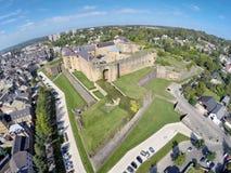 Opinión aérea sobre el castillo del sedán Foto de archivo libre de regalías