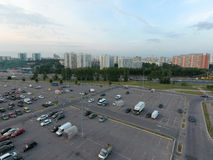 Opinión aérea sobre el estacionamiento Foto de archivo libre de regalías