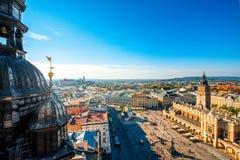 Opinión aérea sobre la plaza del mercado principal en Kraków Fotografía de archivo libre de regalías