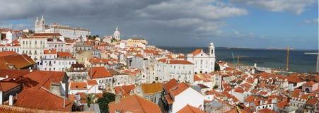 Opinión de la ciudad del capital de Portugal, Lisboa Foto de archivo libre de regalías
