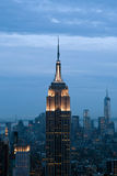 Opinión del Empire State y de Manhattan del centro de Rockefeller, Nueva York, los E.E.U.U. Fotografía de archivo