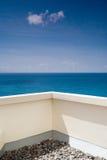 Opinión del mar en el balcón Imagen de archivo libre de regalías