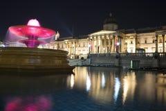 Opinión del National Gallery, Londres de la noche Fotos de archivo