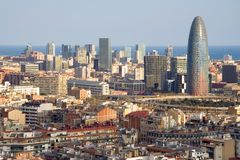Opinión del pájaro de la torre de Agbar en Barcelona Foto de archivo libre de regalías