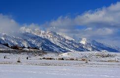 Opinión magnífica de Tetons del refugio de los alces en Jackson Hole Wyoming Foto de archivo libre de regalías