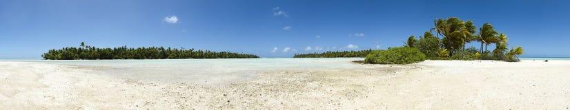 Opinión panorámica de la playa blanca de la arena del paraíso Fotografía de archivo