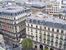Opinión parisiense de las calles del top ascendente Imagen de archivo