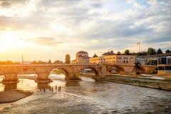 Opinión sobre el puente de piedra Fotos de archivo