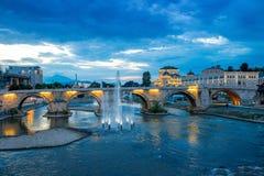 Opinión sobre el puente de piedra Imágenes de archivo libres de regalías