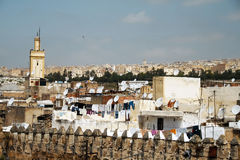 Opinión sobre la ciudad de Fes, Marruecos Imagenes de archivo