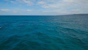 Opinião aérea de superfície da água Ilha Filipinas de Boracay filme