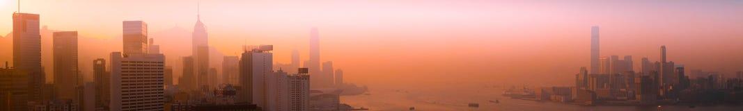 Opinião aérea do panorama da arquitetura da cidade de Hong Kong no por do sol Fotografia de Stock