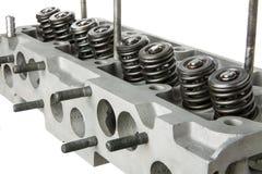 Opinião da diagonal da cabeça de cilindro do motor de automóveis Imagem de Stock Royalty Free