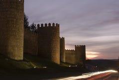 Opinião da noite das paredes de Avila. Foto de Stock Royalty Free