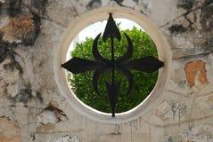 Opinião da rua da construção da história da arquitetura de Merida Mexico Yucatan, sinal, janela da parede Foto de Stock