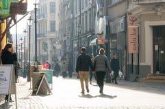 Opinião da rua em Hanu Manuc, Bucareste Fotografia de Stock