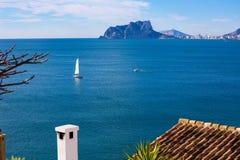 Opinião de Ifach Penon de calpe em Alicante Imagens de Stock
