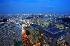 Opinião de olho de pássaro do Tóquio na noite Fotos de Stock Royalty Free