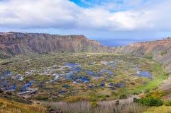 Opinião Rano Kau Volcano Crater na Ilha de Páscoa, o Chile Imagens de Stock