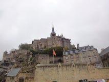 Opiniones de la abadía en Mont Saint-Michel, Normandía, Francia Fotografía de archivo