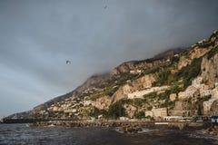 Opiniones de la costa de Amalfi fotos de archivo libres de regalías